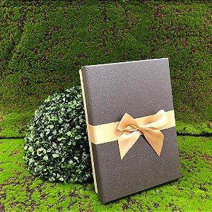 Caixa de Papel para Presente Tampa Preto com Laço Dourado - 29 cm x 20 x 6 cm - 1 Unidade - Rizzo Confeitaria