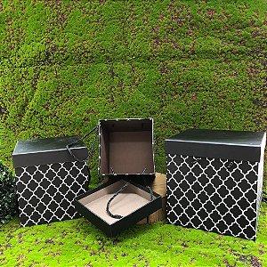 Caixa de Papel para Presente Quadrada Preta C/ Alça - 21 cm x 21 x 21 cm - 1 Unidade - Rizzo Confeitaria