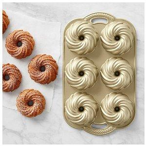 Forma em Aluminio Fundido Swirl Baking Nordic Ware Rizzo Confeitaria