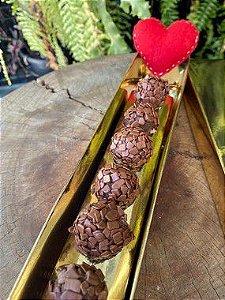 Caixa Botão de Rosa com Brigadeiro Ouro Texturizado 5 un. Assk Rizzo