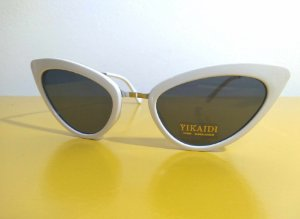 Óculos Gatinho Branco e hastes prateadas Vintage Pin Up Retrô