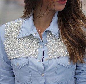 Camisa Plus Size Jeans Bordada Pérola Frente