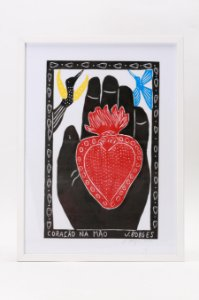 """Quadro """"Coração Na Mão"""""""