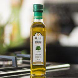 KORU BRASIL - Azeite Extra Virgem Premium Aromatizado com Manjericão (250 ml)