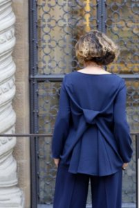 Blusa Laço nas Costas Crepe Milano Marinho
