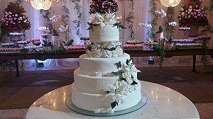 Bolo de Casamento com Flores Açucar