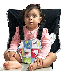 Cadeirinha Assento Portátil para Bebê em Tecido Preto com Estampa