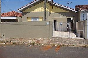 Locação de casa no Centro da cidade de São Pedro - São Paulo | R$ 850,00