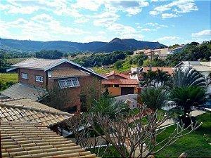 Vende-se Linda Casa com piscina no Jardim Itália - São Pedro - SP | R$ 700.000,00