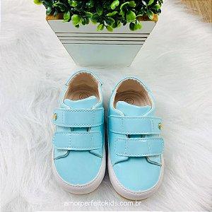 Tênis infantil bebê Xuá Xuá verniz azul claro menina