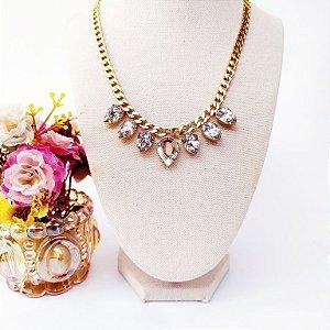 Maxi colar folheado dourado gotas cristais cravejadas