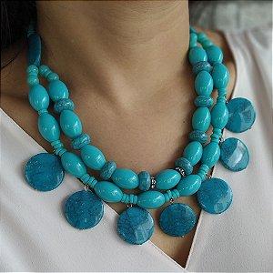 Maxi colar pedras resinas azul turqueza