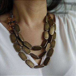 Maxi colar com pastilhas ouro velho