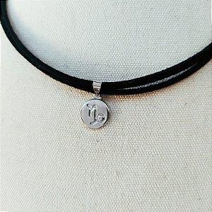 Colar curto signo capricórnio prata no couro