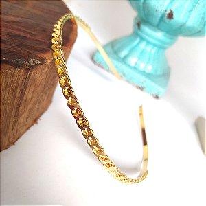 Tiara folheada dourada corrente