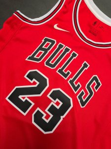 Camiseta Regata Basquete NBA Swingman Chicago Bulls Red Michael Jordan #23