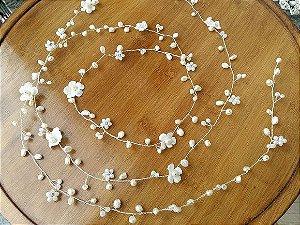 Fio para cabelo de noiva pérolas  agua doce mini flores