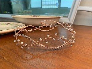 Tiara de noiva banho de  ouro rosé com strass cristais pérolas