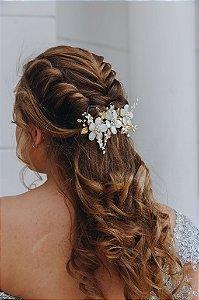 Enfeite arranjo para cabelo de noiva com madrepérolas banho de ouro