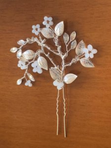 Grampo para cabelo de noiva prata e flores
