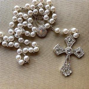 Terço Nossa Senhora Pérolas off com relicário
