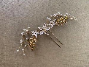 Enfeite para noiva com flor de porcelana fria  metal banho de ouro amarelo