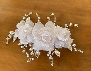 Arranjo com flores brancas para  noiva