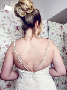 Colar de costas para vestido de noiva