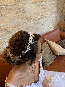 Tiara para noiva com flores de porcelana fria