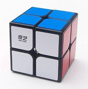 Cubo Mágico Profissional QiYi com adesivo 2x2x2