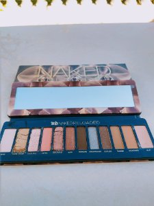 Danificado - Urban Decay - Paleta Naked Reloaded Eyeshadow