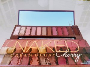 Danificado - Urban Decay - Paleta Naked Cherry Eyeshadow