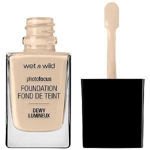 Wet N Wild - Photo Focus Dewy Foundation - Nude Ivory