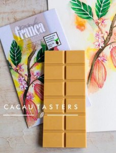 Barra de Chocolate ao Leite 36% Cacau com Caramelo e Flor de Sal - Priscila França Chocolates
