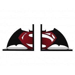 Aparador de Livros Batman vs Super homem