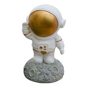 Enfeite Astronauta na Lua Resina