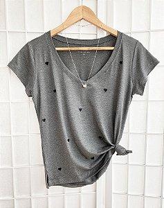 T-Shirt Corações Bordado Mescla