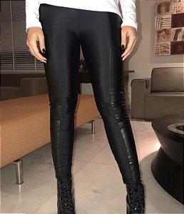 Calça Skinny Lycra Encorpada com Couro Eco - Beatrice
