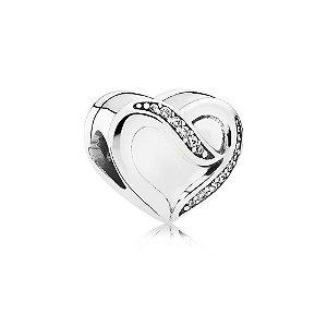 Berloque de Prata Coração Vazado Com Zircônias Vizaro
