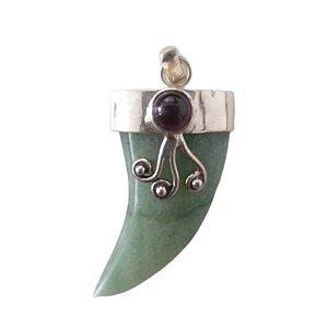 Pingente dente quartzo verde com granada