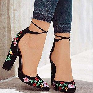 Sapato Feminino Scarpin Salto Grosso com Bordados Meia Pata