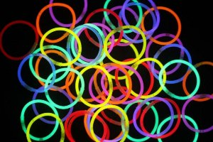 5 Tubos Pulseira Neon Alto Brilho com 100 un cada - kit 5 tubos