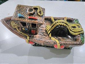 Enfeite de aquários Barco Reboque decorado - 21x12x10