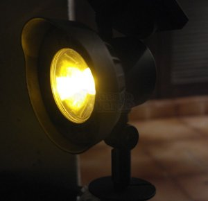 Luminária Solar Spot SuperLED Luz Âmbar