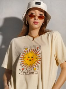 Camiseta Boyfriend The Sun Bege