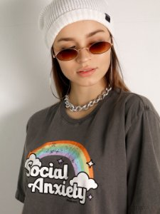 Camiseta Basic Social Anxiety Chumbo Estonado