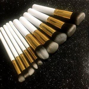 Kit 10 Pinceis Kabuki Branco com Dourado