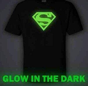 Camiseta: Pó Glow Corion Pote Grande 25ml Para Fazer Camiseta que Brilha no Escuro Sem Luz Negra