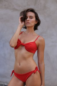Biquíni Maria Nó Vermelho