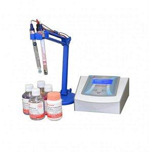 Phmetro e condutivímetro de bancada, fabricado em ABS, 20W, 110/220V, mod.: Q402M (Quimis)